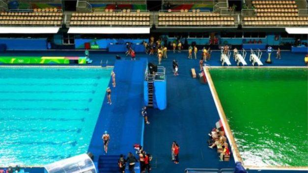 O estranho caso da piscina olímpica verde